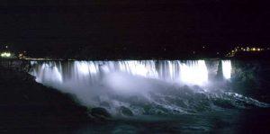 Cascate del Niagara a Novembre